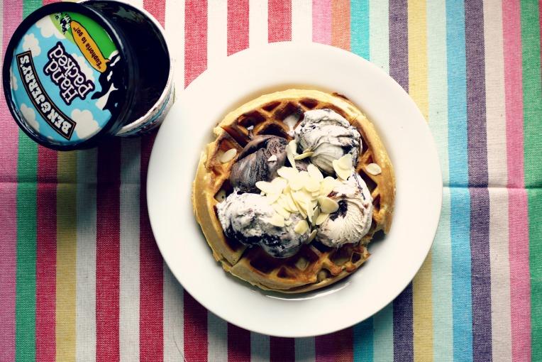 easy belgium waffles // mono+co