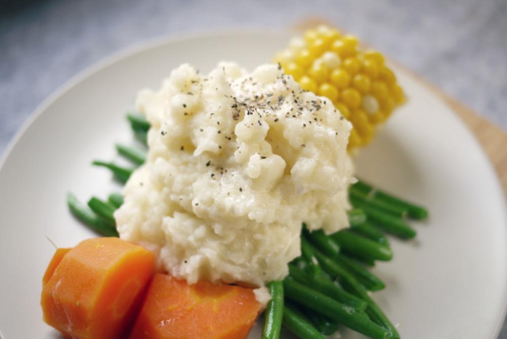 Easy Crockpot Mashed Potatoes | Mono + Co