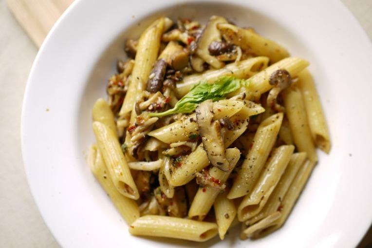 garlic mushroom pasta 002