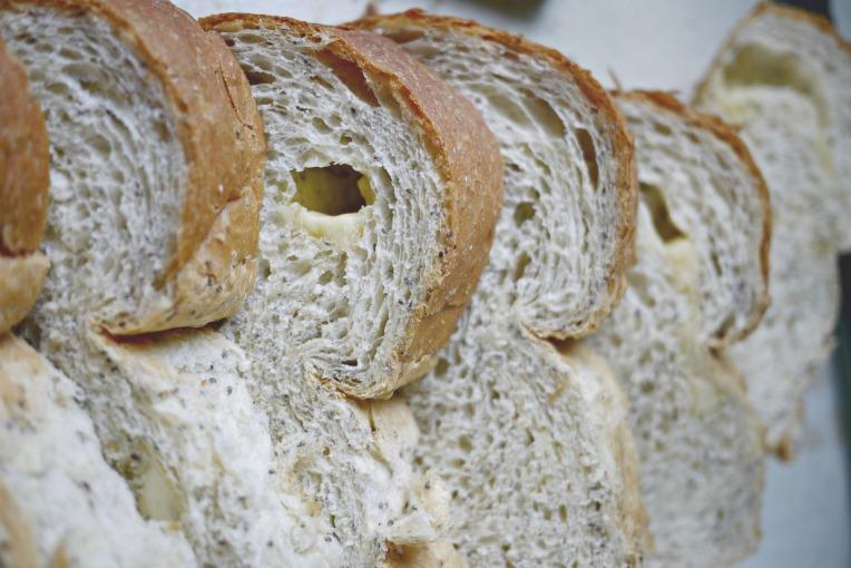 greyure cheese bread 002