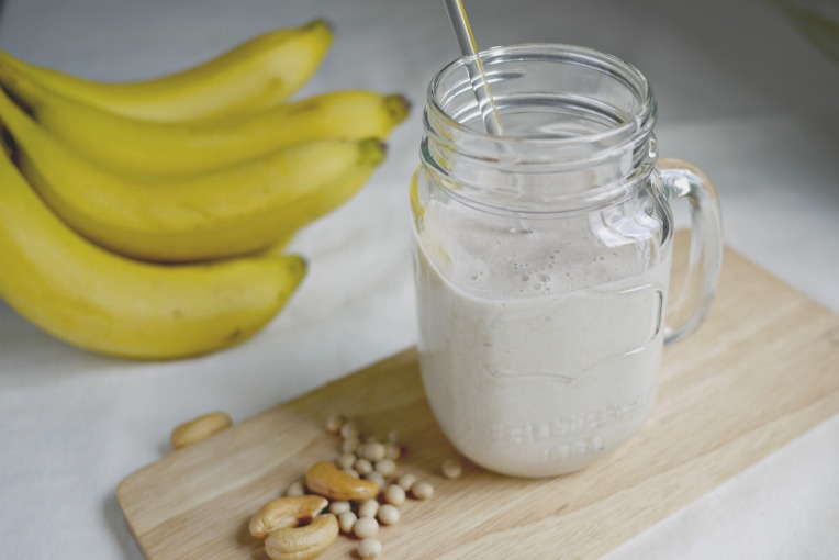 Banana Cashew Soy Milk Smoothie // Mono+Co