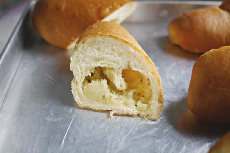 mashed potato filling bread 003