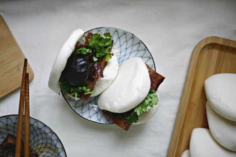 veg braised pork bun 001