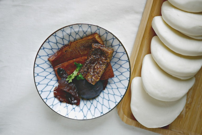 veg braised pork bun 004