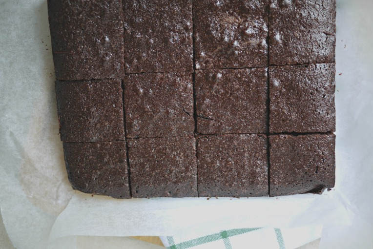 A Very Versatile Recipe : Cocoa Brownies // Mono + Co