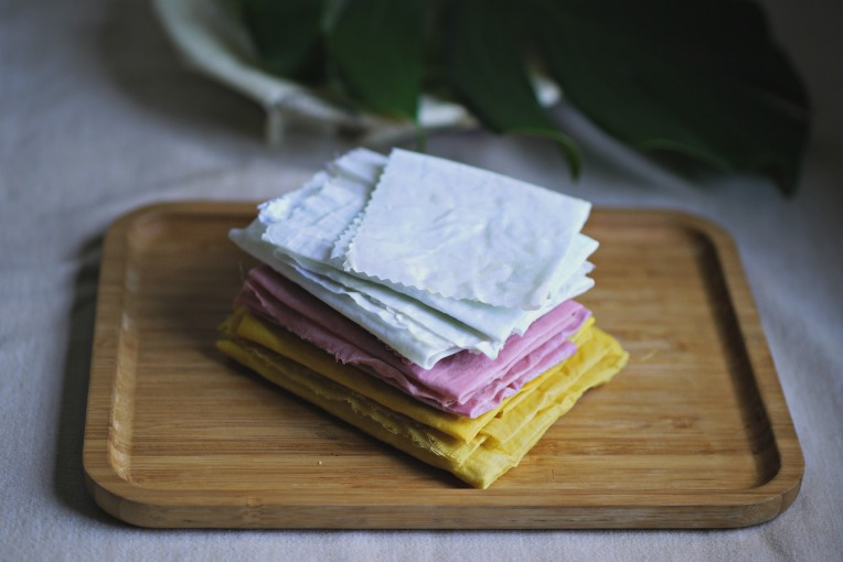Green Monday: DIY Beeswax Cloth Wrap // Mono + Co