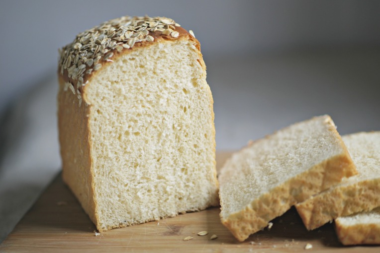 Oatmeal Porridge White Pullman Loaf // Mono + Co