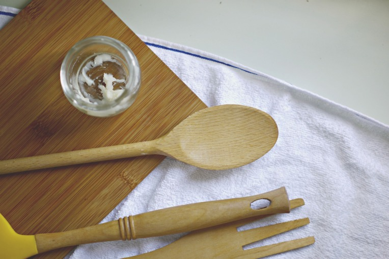 Homemade Spoon Butter : A Wood Preserver // Mono & Co