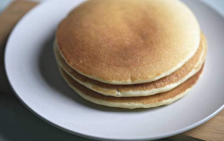 Fluffy Pancakes // Mono + Co